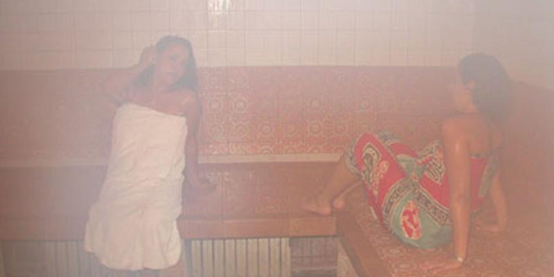 spa bains maures .